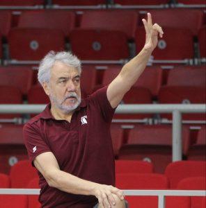 Yakın Doğu Üniversitesi Kadın Basketbol Takımı Başantrenörü Zafer KALAYCIOĞLU