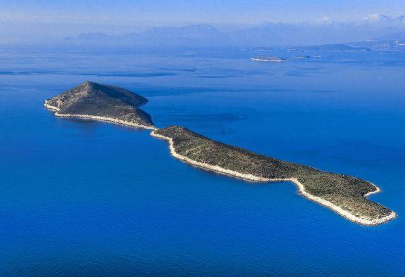 Yunanistan'da şahsa ait adalar satılmaya devam ediyor