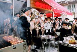 Yunanistan'ın en lezzetli günü; Tsiknopempti