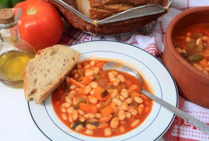 Kuru fasülyenin Yunan versiyonu 'Fasolada'